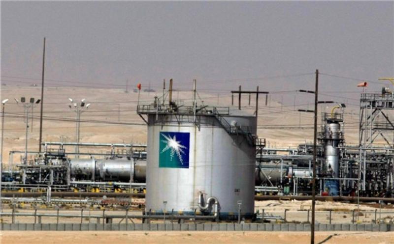 A general view shows the Saudi Aramco oil facility in Riyadh, Saudi Arabia 23 November 2007 [AFP PHOTO/HASSAN AMMAR / Getty]