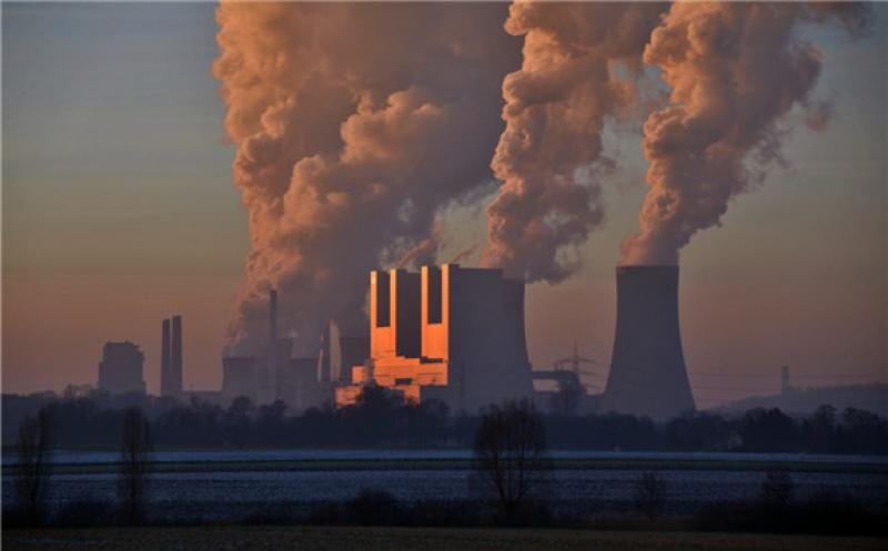 RWE lignite power plant Neurath, Germany's single largest source of carbon emissions. Photo: Rolf Cosar / wiki