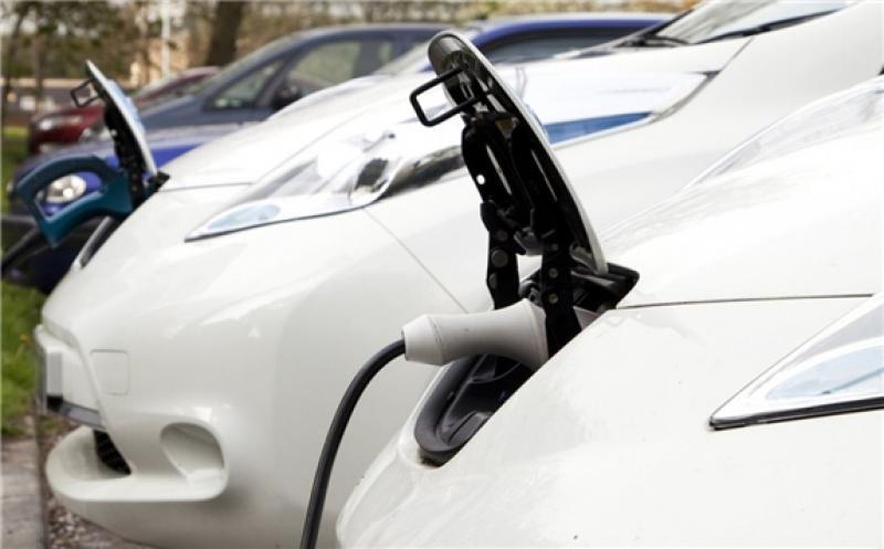 Irish Electric Vehicles Sales Lag Behind 2030 Target Levels