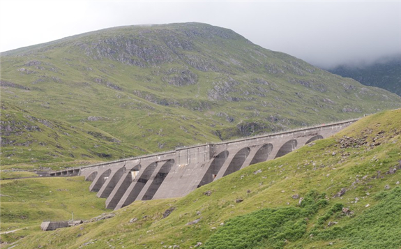The Cruachan Dam. Author: Tom Parnell. Licence: Creative Commons, Attribution-ShareAlike 2.0 Generic