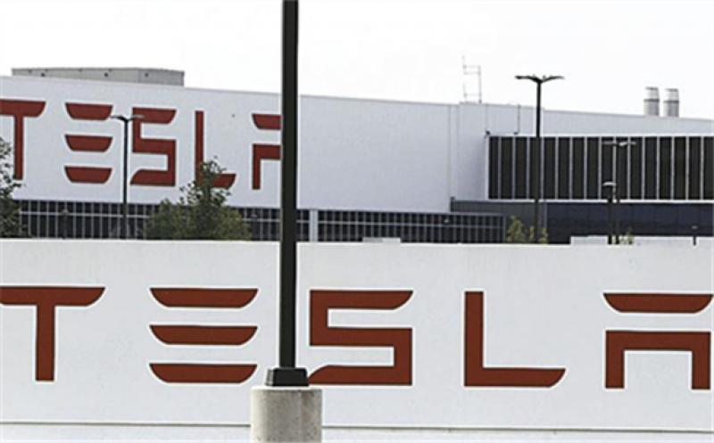 Tesla's solar energy deployments are rising again.  Derek Gee