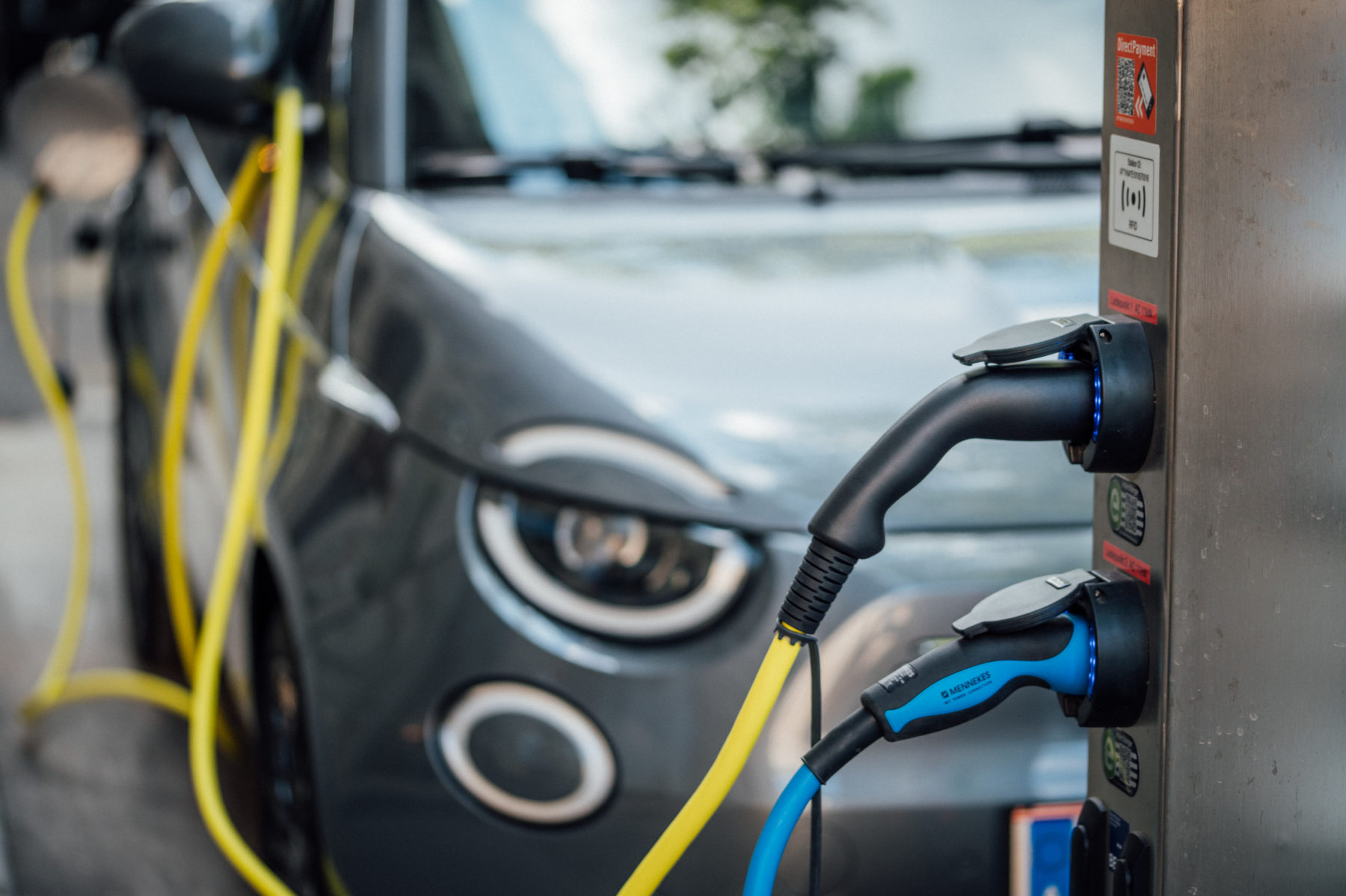 Hydrogen may have lost, to electricity, the competition to power the next generation of personal vehicles (Image: Ivan Radic / Flickr, CC BY 2.0)