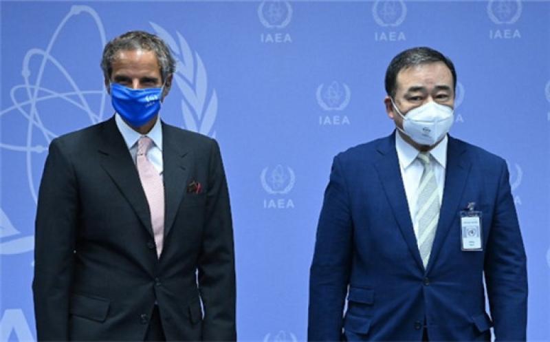 Rafael Mariano Grossi and Hiroshi Kajiyama at the IAEA's building in Vienna yesterday (Image: Dean Calma - IAEA)